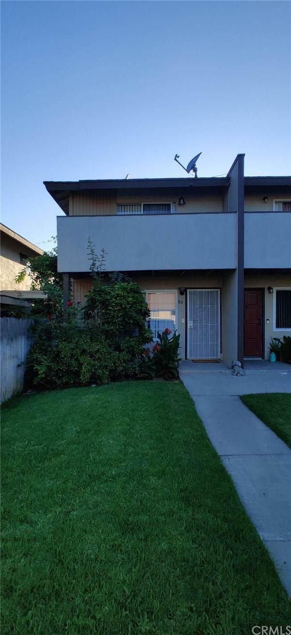 521 S Lyon Street #80, Santa Ana, CA 92701 (#302625488) :: Whissel Realty