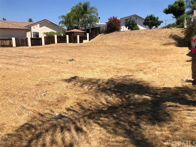 29800 Redwood, Canyon Lake, CA 92587 (#302625628) :: Whissel Realty