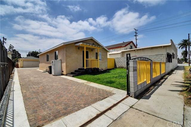 1346 W 102nd Street, Los Angeles, CA 90044 (#302626757) :: Whissel Realty