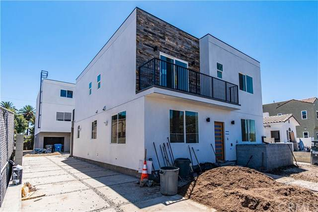 5222 W 20th Street, Los Angeles, CA 90016 (#302627699) :: Whissel Realty