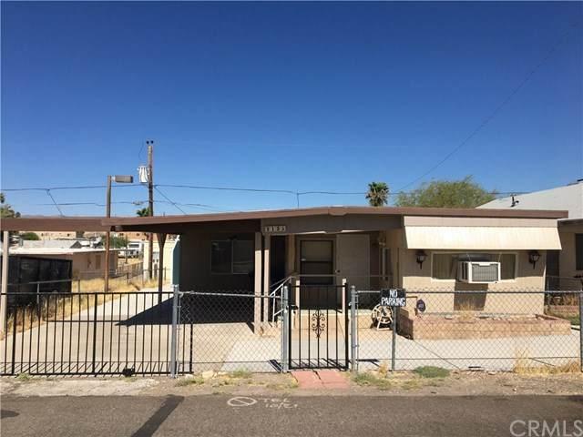 2135 Hermosa Drive, Bullhead City, AZ 86442 (#302630112) :: Whissel Realty