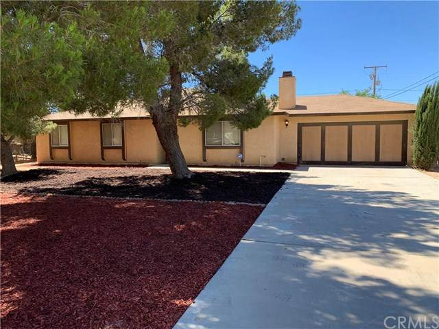 21237 Little Beaver Road, Apple Valley, CA 92308 (#302630939) :: Whissel Realty