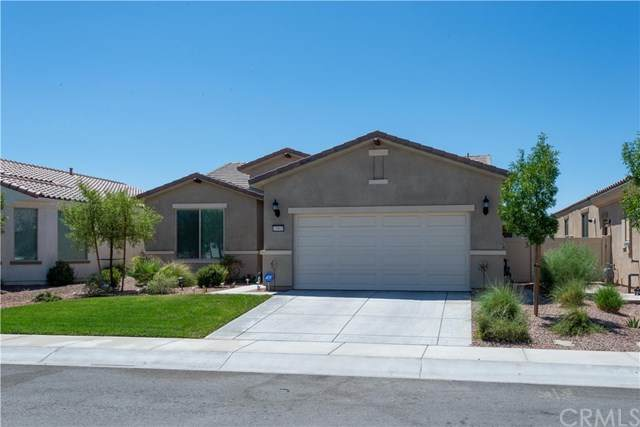 18909 Lariat Street, Apple Valley, CA 92308 (#302631650) :: Whissel Realty