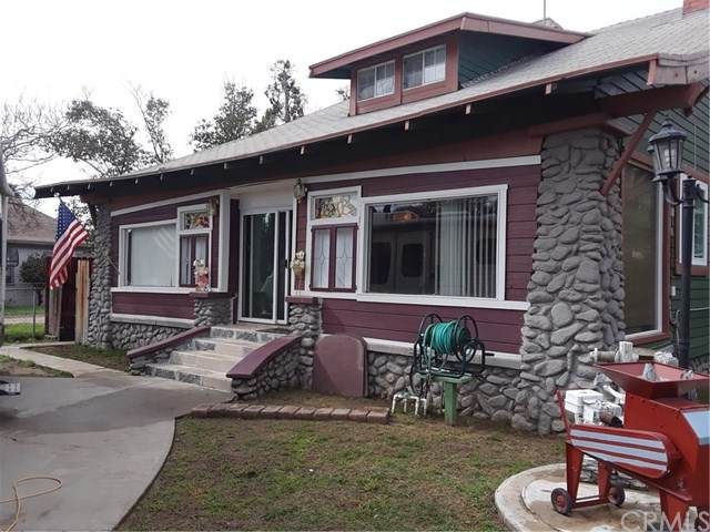 216 N Olive Avenue, Rialto, CA 92376 (#302646902) :: Yarbrough Group