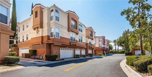 8062 E Venice Way, Anaheim, CA 92808 (#302654237) :: SD Luxe Group