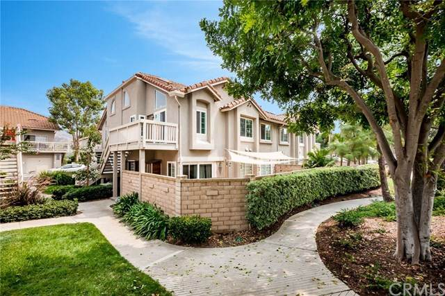 18946 Canyon Hill Drive, Lake Forest, CA 92679 (#302668951) :: Yarbrough Group