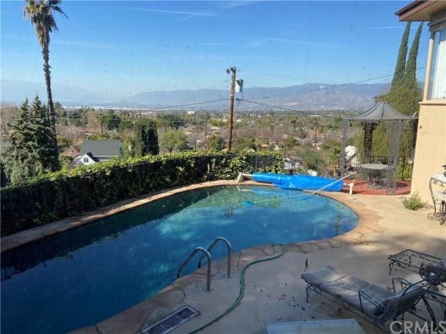 223 Grand View Drive, Redlands, CA 92373 (#302671497) :: Keller Williams - Triolo Realty Group