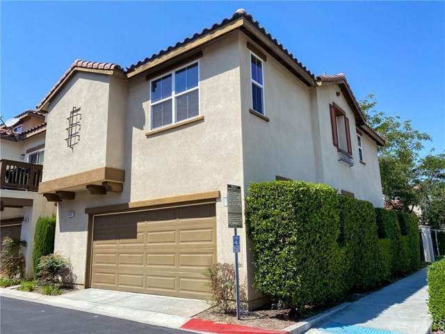 11498 Toscana Circle, Stanton, CA 90680 (#302673917) :: Wannebo Real Estate Group