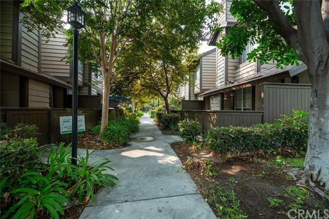 2379 S Mira Court #202, Anaheim, CA 92802 (#302674010) :: The Stein Group
