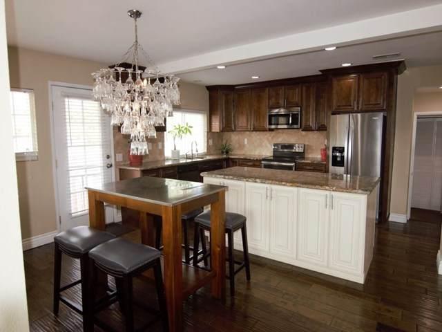 23096 Canyon Lake Drive, Canyon Lake, CA 92587 (#302677721) :: Solis Team Real Estate