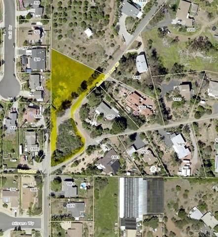 1649 San Luis Rey Ave, Vista, CA 92084 (#302678541) :: Tony J. Molina Real Estate