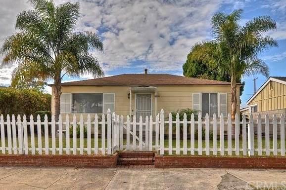 1107 Lake Street, Huntington Beach, CA 92648 (#302875416) :: Solis Team Real Estate