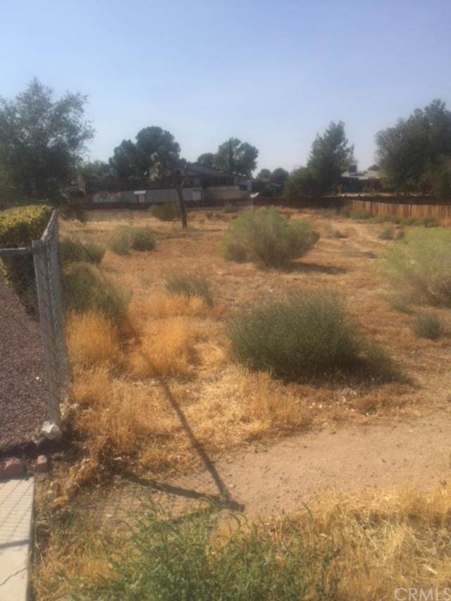 0 Brentwood, Victorville, CA 92395 (#302879742) :: Compass