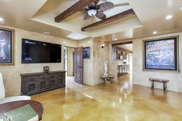 10024 Dunbar Ln, El Cajon, CA 92021 (#302883404) :: Solis Team Real Estate