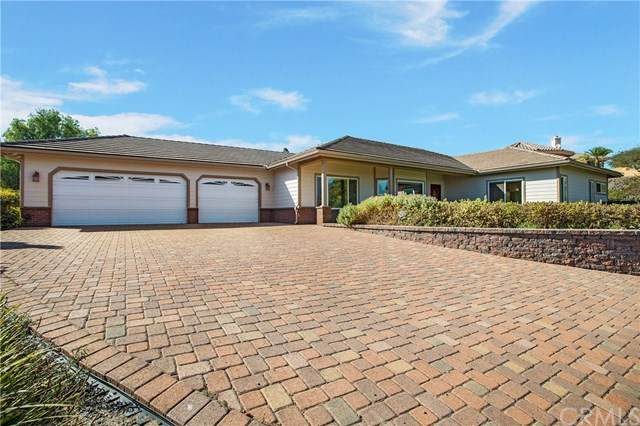 1717 Silverfox Lane, Fallbrook, CA 92028 (#302946793) :: Solis Team Real Estate