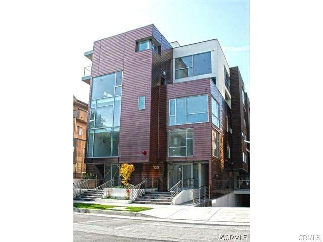 153 S Hudson Avenue #405, Pasadena, CA 91101 (#302950072) :: The Stein Group