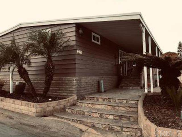 525 W El Norte Parkway #271, Escondido, CA 92026 (#302951962) :: Cay, Carly & Patrick | Keller Williams