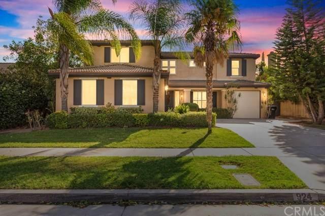 924 Mccall Circle, Corona, CA 92881 (#302953269) :: Solis Team Real Estate