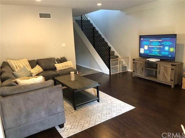1741 Tustin Avenue 16D, Costa Mesa, CA 92627 (#302954565) :: The Legacy Real Estate Team