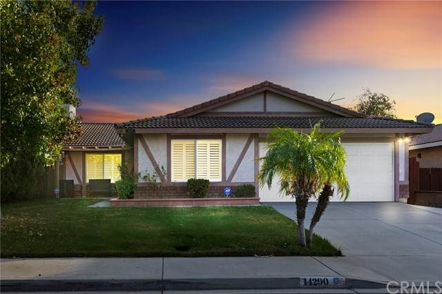14290 Woodlark Lane, Moreno Valley, CA 92553 (#302968003) :: COMPASS