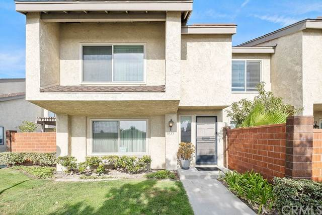 1035 W Orangewood Avenue, Anaheim, CA 92802 (#302971804) :: Yarbrough Group