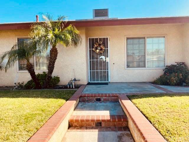 867 S Sandalwood Avenue, Bloomington, CA 92316 (#302971976) :: Farland Realty