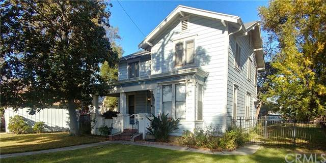 419 Wellington Avenue, Santa Ana, CA 92701 (#302972853) :: Dannecker & Associates