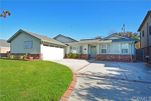 11792 Newbury Road, Los Alamitos, CA 90720 (#302974119) :: San Diego Area Homes for Sale