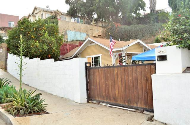 4702 St Charles Place, Los Angeles, CA 90019 (#302985334) :: Compass