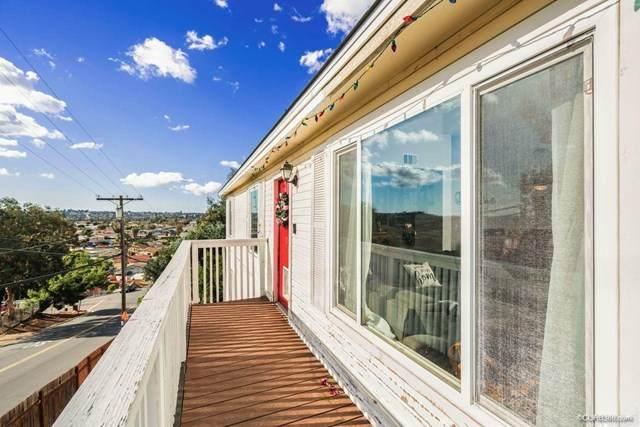 1002 Portola Avenue, Spring Valley, CA 91977 (#302985686) :: Tony J. Molina Real Estate