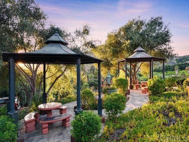 12462 Keys Creek Rd, Valley Center, CA 92082 (#302993516) :: Tony J. Molina Real Estate