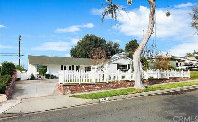 1009 N Yale Avenue, Fullerton, CA 92831 (#302996659) :: Tony J. Molina Real Estate