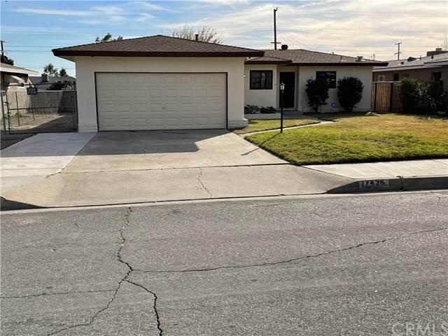17429 Barbee Street, Fontana, CA 92336 (#302998845) :: The Stein Group