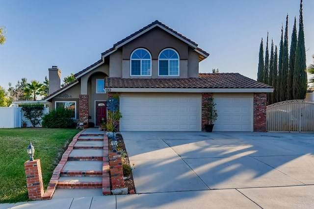 483 Peachwood Place, Riverside, CA 92506 (#302999640) :: Tony J. Molina Real Estate