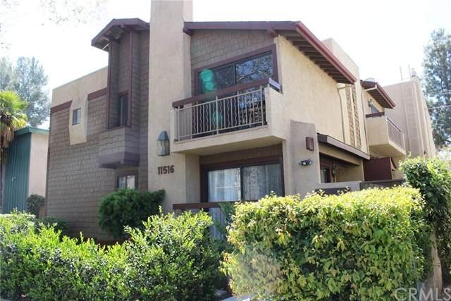 11516 Riverside Drive #3, Valley Village, CA 91602 (#303007012) :: Tony J. Molina Real Estate