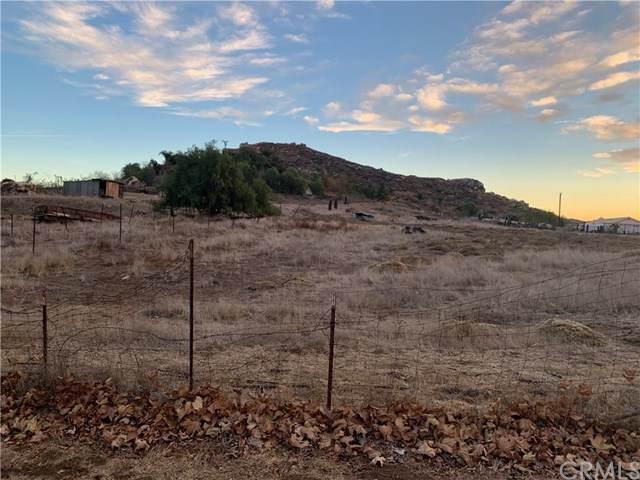 19689 Glenwood, Riverside, CA 92508 (#303007256) :: Tony J. Molina Real Estate
