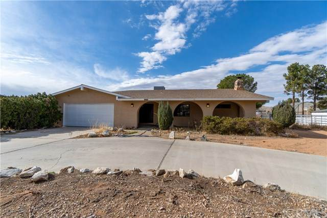 15394 Cheyenne Road, Apple Valley, CA 92307 (#303007349) :: Wannebo Real Estate Group