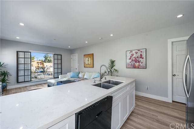 1561 S Harvard Boulevard, Los Angeles, CA 90006 (#PW21001757) :: Wannebo Real Estate Group