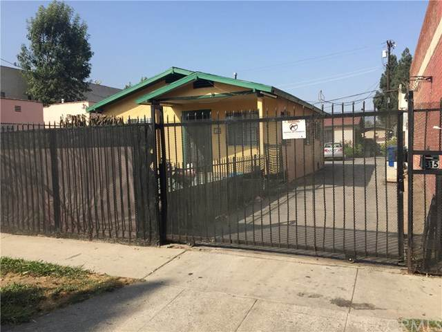 315 W 84th Place, Los Angeles, CA 90003 (#303020825) :: COMPASS