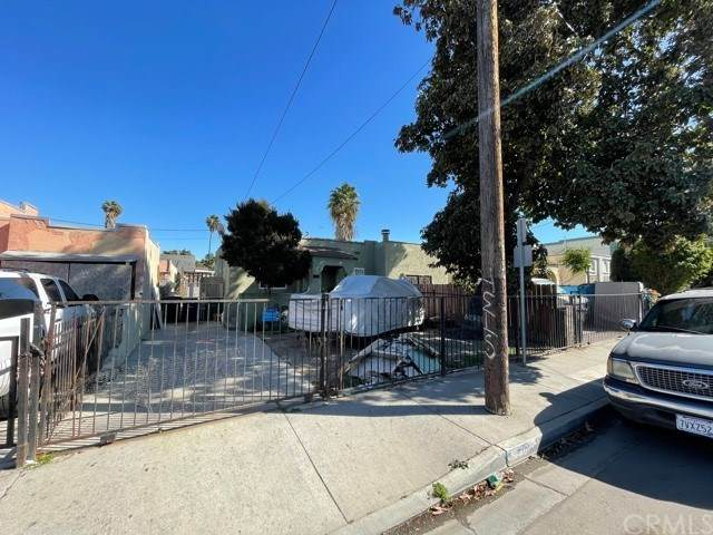7606 Maie Avenue, Los Angeles, CA 90001 (#303021347) :: Compass