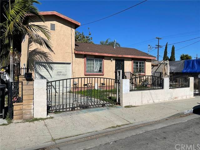 1747 E 67th Street, Los Angeles, CA 90001 (#303021359) :: Compass