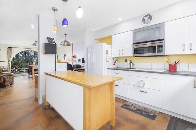 902 Caminito Madrigal Unit E, Carlsbad, CA 92011 (#303022711) :: PURE Real Estate Group
