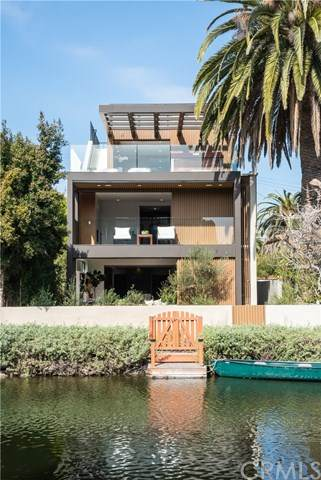 437 Howland Canal, Venice, CA 90291 (#SB21039628) :: SD Luxe Group