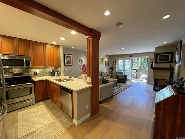 3939 Eagle Street #207, San Diego, CA 92103 (#303028215) :: PURE Real Estate Group