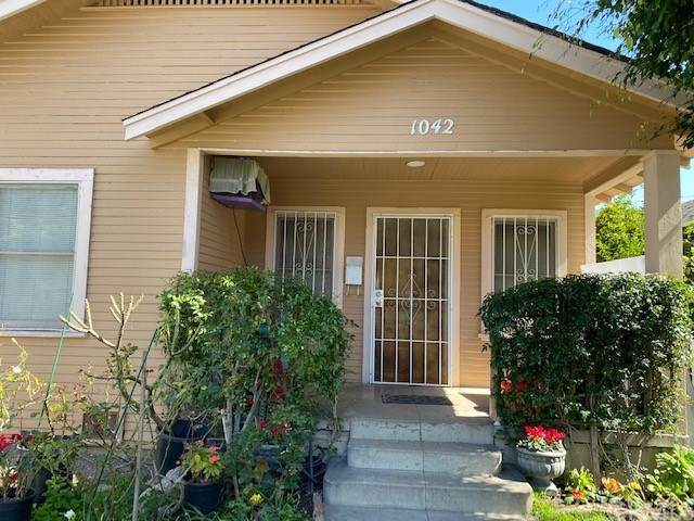 1042 Stanley Avenue, Long Beach, CA 90804 (#DW21048024) :: Wannebo Real Estate Group