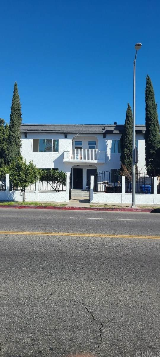 4606 S Normandie Avenue, Los Angeles, CA 90037 (#303034799) :: SunLux Real Estate