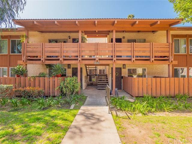 3707 Country Club Drive #5, Long Beach, CA 90807 (#RS21058823) :: Yarbrough Group