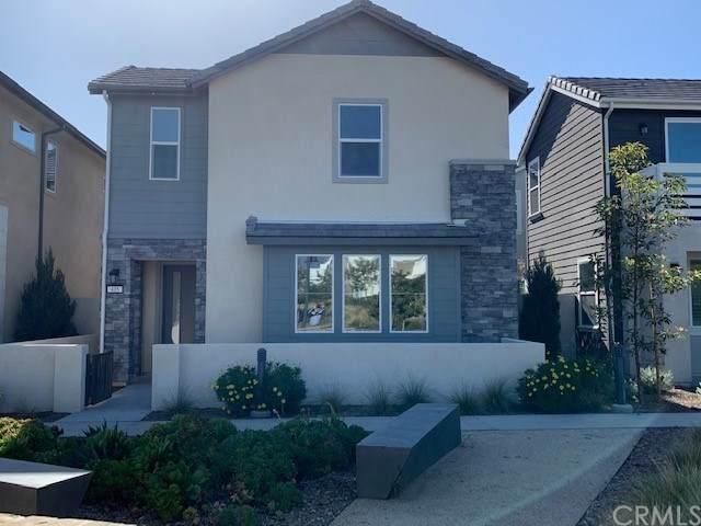 405 Sawbuck, Irvine, CA 92618 (#CV21064696) :: Compass