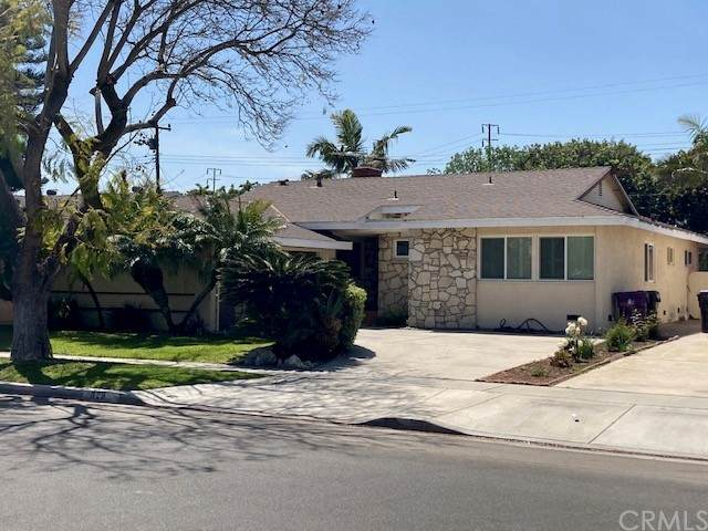 829 Lees Avenue, Long Beach, CA 90815 (#PW21075530) :: The Legacy Real Estate Team
