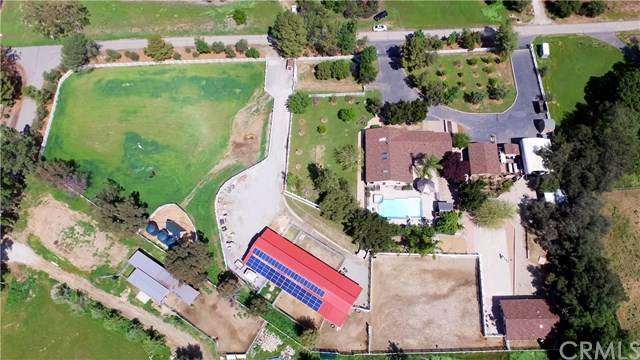 11005 Fox Springs Road, Ortega Mountain, CA 92562 (#OC21070132) :: Wannebo Real Estate Group